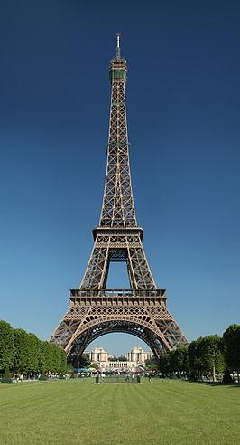 266px-Tour_Eiffel_Wikimedia_Commons
